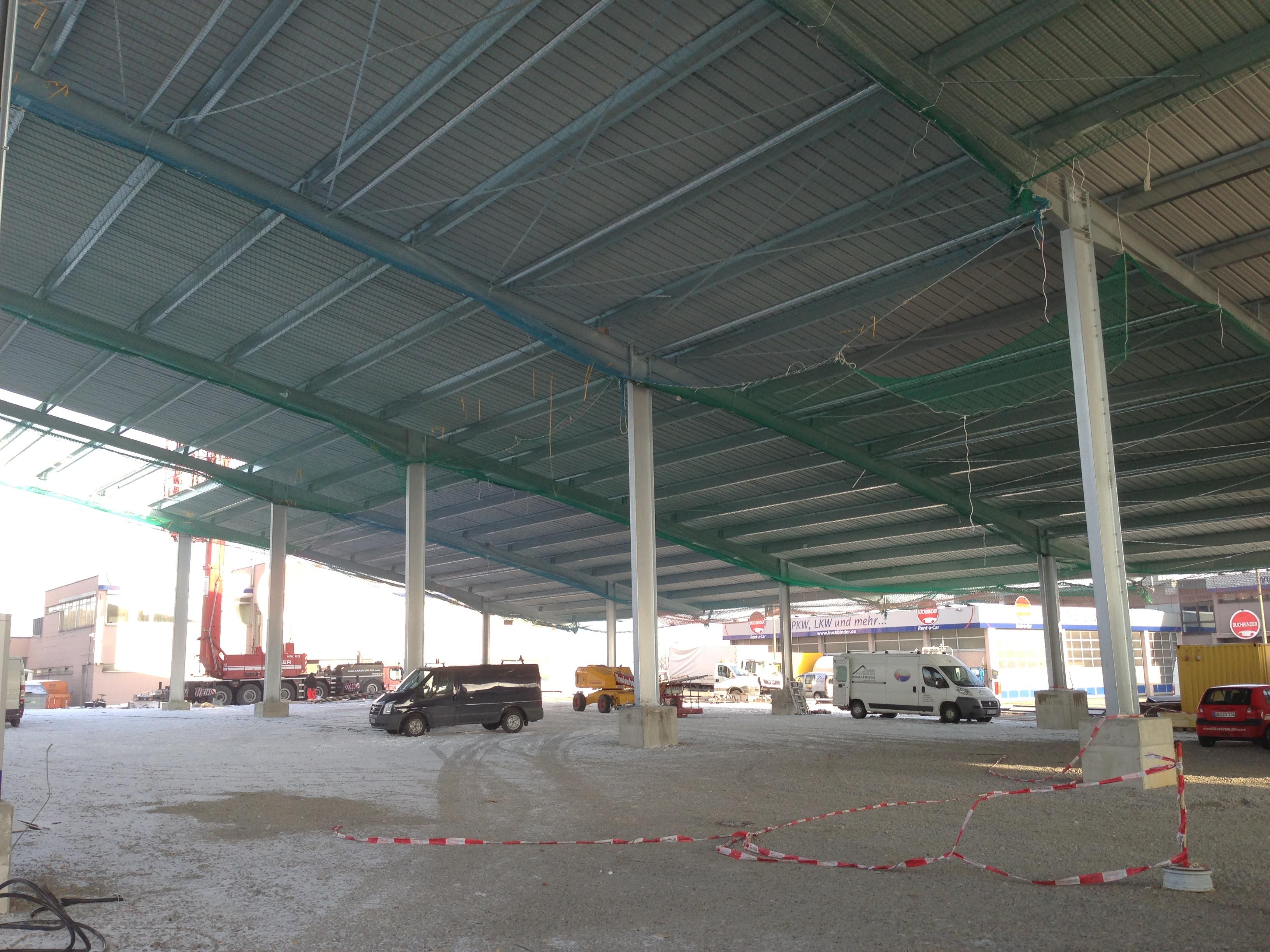 33 Errichtung einer offenen Fahrzeug-Unterstellhalle in Regensburg